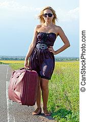 belle femme, valise