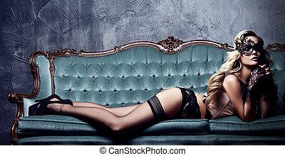 belle femme, vendange, sofa., masque, jeune, vénitien,...