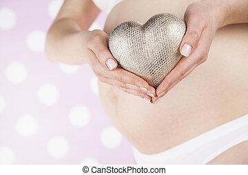 belle femme, ventre, coeur, pregnant