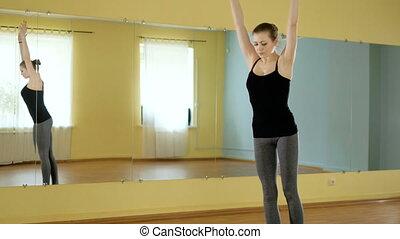 belle vie, femme, yoga, jeune, studio