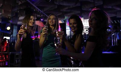 belles filles, boîte nuit, amusement, fête, avoir