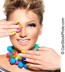belleza, colorido, maquillaje, accesorios, esmalte uñas, niña