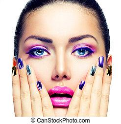 belleza, makeup., púrpura, maquillaje, y, colorido, brillante, clavos