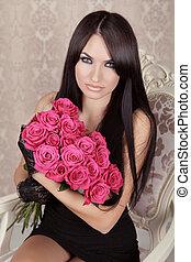 belleza, moda, morena, portrait., asombroso, niña, tenencia, ramo, de, rosa, roses., valentine, día, amor, hermoso