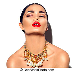 belleza, modelo, morena, niña, portrait., sexy, mujer joven, con, perfecto, maquillaje, y, moderno, dorado, accesorios
