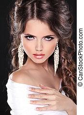 belleza, novia, niña, modelo, portrait., elegante, mujer, con, peinado, llevando, en, vestido blanco, aislado, en, fondo negro