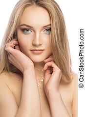 belleza, retrato, de, encantador, rubio, mujer, con, brillante, brillar, maquillaje, encima, fondo blanco