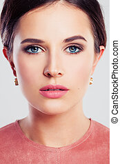belleza, retrato, de, un, mujer hermosa, con, moda, makeup., perfecto, cara, primer plano