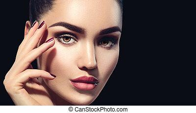 bellezza, brunetta, donna, con, perfetto, trucco, isolato, su, nero, fondo., professionale, vacanza, trucco
