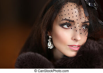 bellezza, retro, ritratto donna, in, cappello, con, lace., elegante, signora, in, lusso, cappotto pelliccia, moda, earrings., winter.