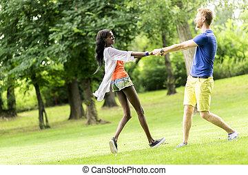 bello, accoppi fuori, parco, ballo