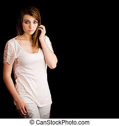 bello, adolescente, stanza, isolato, nero, ritratto, ragazza seria, copia, espressione