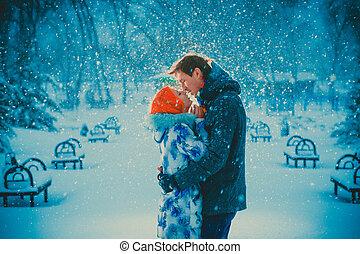 bello, bacio, coppia, parco, giovane, neve, fondo