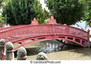 bello, bridge., rosso