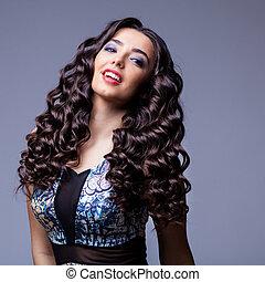 bello, brunetta, ragazza, con, sano, capelli lunghi