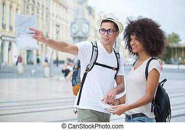 bello, città, turista, coppia, bordeaux, vagabondaggio