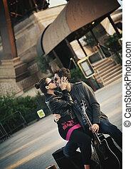 bello, coppia, giovane, baciare