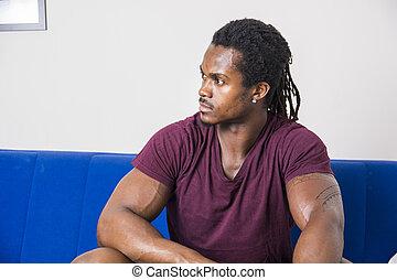 bello, divano, uomo nero, seduta