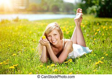 bello, donna, sano, giovane, denti, sorriso, fiori