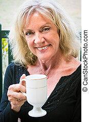 bello, donna senior, caffè