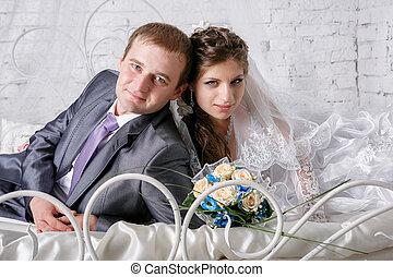 bello, giovane coppia, mentire letto