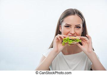 bello, giovane ragazza, è, mangiare, cibo malsano
