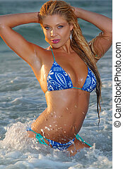 bello, girl., bikini, spiaggia