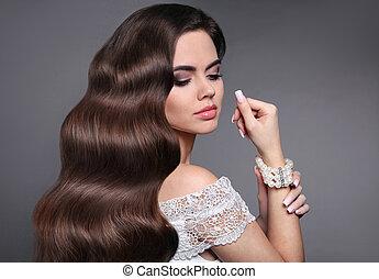 bello, jewelry., ondulato, moda, hairstyle., bellezza, hair., sano, riccio, modello, capelli lunghi, perla, brunetta, makeup., manicured, ragazza, baluginante, style., nails.