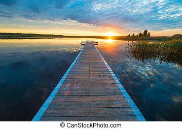 bello, pittoresco, legno, sole, sopra, -, lago, lungo, regolazione, banchina, paesaggio