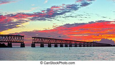 bello, ponte, vecchio, hurricane., paesaggio, florida., resti, sunrise., tropicale, stato, preso, turista, colorito, honda, parco, flagler, chiave, tramonto, monumento, punto di riferimento, o, bahia