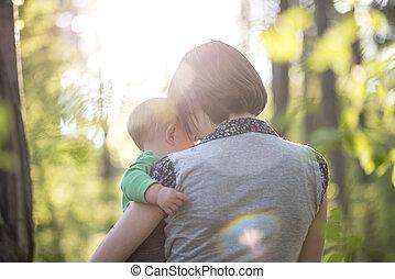 bello, ragazzo, lei, amore, giovane, tenerezza, momento, madre, bambino, godere, cura