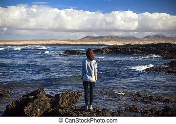 bello, solitario, donna, spiaggia, oceano
