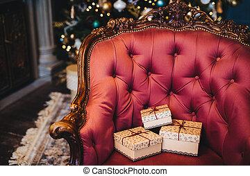 bello, vacanze, decorato, regalo, immagine, poltrona, concept., nastri, reale, tre, presenti natale, scatole, interior., involvere, casa, indoors., celebrazione, orizzontale, presente