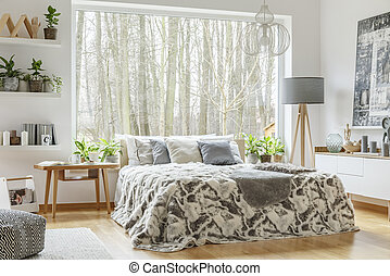 belső, tágas, kényelmes, hálószoba