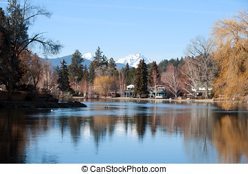 Bend Oregon - The Deschutes River and Drake Park during the ...