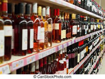 benevelde beeld, van, planken, met, alcoholist drinkt, in, supermarket.