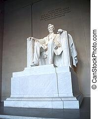 Benjamin Franklin monument in Washington D.C.