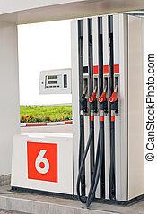 bensin pumpar