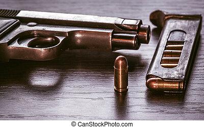 beretta, pisztoly, magazin, lövedék