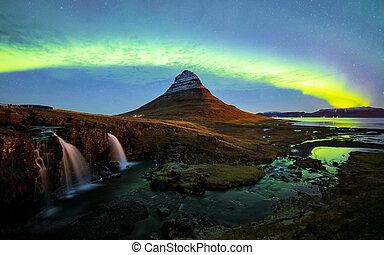 berg, (aurora, noordelijk, kirkjufell, licht, op, ijsland, borealis)