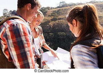 berg, wanderer, oberseite, zeigen, landkarte