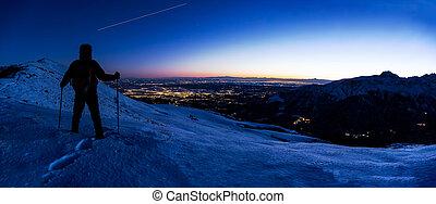 berg, zijn, winter, ruimte, iss, bladeren, sky., terwijl, spoor, het kijken, wandelaar, (international, avond, station), landscape