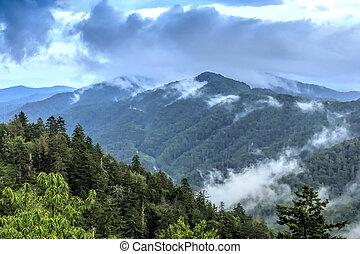 berge, groß, natürlich, rauchig, landschaftsbild