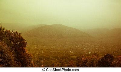 berge, in, der, nebel, retro, foto, von, a, schöne , landschaftsbild