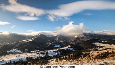 Berge, verschneiter