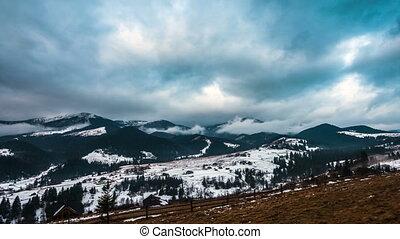 bergen, besneeuwd