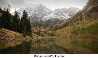 bergen, colorado, -, sneeuw, kastanjebruin, vroeg, herfst, (1119), aspens, storm, klokken