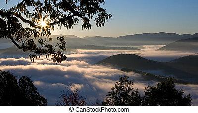 bergen, groot, rokerig, zonopkomst, nevelig