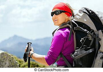 bergen, schooltas, vrouw hiking