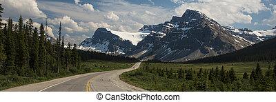 bergen, voorbijgaand, onder, snelweg
